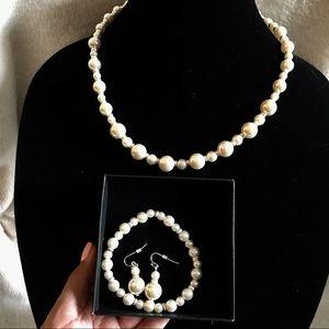 Silver&Pearl GIFT Set - Necklace/earrings/bracelet