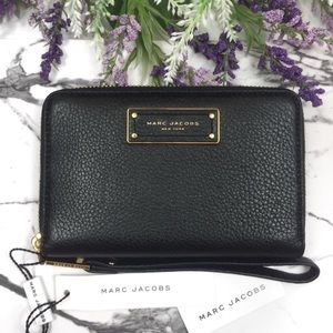 Marc Jacobs Too Hot to Handle Phone Wristlet