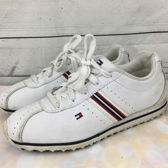 e80f61f38cc8 Vintage 90s Tommy Hilfiger tennis shoes. M 59e00c5f6a5830d7e5004330