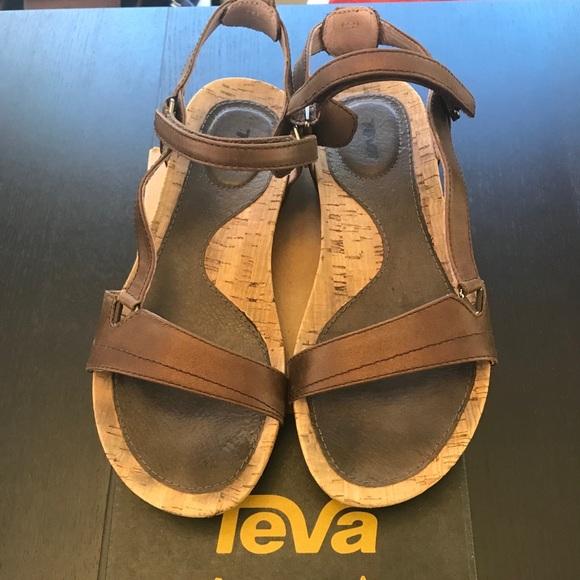 a0a5d767927 Teva Capri Universal Sandals- Pearlized Chocolate.  M 59e00d9bb4188e0bd5003645