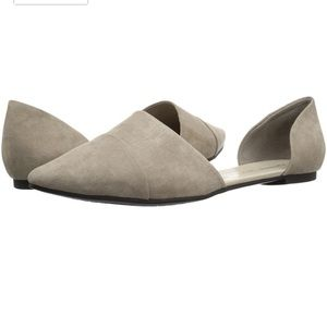 Chinese Laundry taupe suede flats