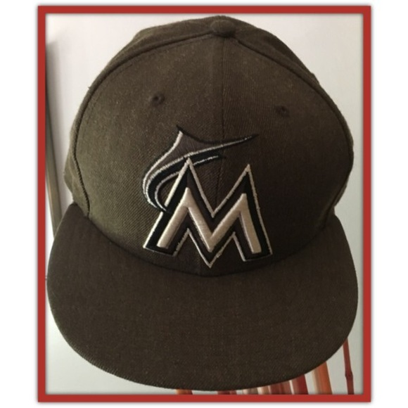 59Fifty Accessories - Marlins Heathered Black MLB 59FIFTY Fitted Hat 04230d009b8