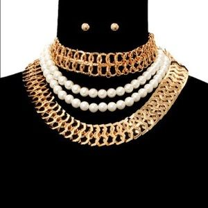 Jewelry - Three Layered Pearl Necklace Set