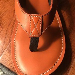 6fdd8e159fe Clarks Shoes - Clarks Roxanna Leather Flip Flop Sandals Sz 9 EUC