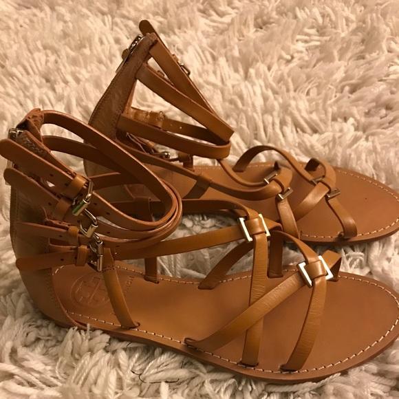 a26b18be220ecf Tory burch Lucas flat sandal tan. M 59e026394e8d173d2500db7f