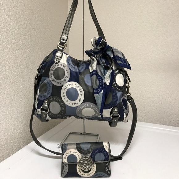 192ffb17d3 Coach Handbags - Coach snaphead Alexandra hobo Crossbody w wallet