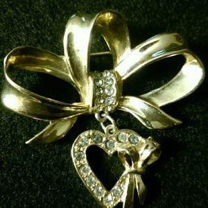 Vintage JJ Heart/Ribbon Rhinestone brooch