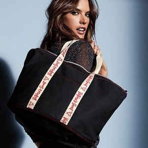 BNWT VICTORIAS SECRET SIGNATURE TOTE