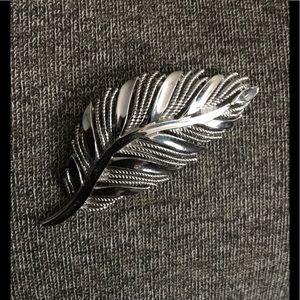 Jewelry - Vintage Coat / Scarf Pin