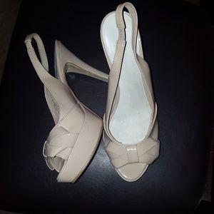 Nine West tan heels