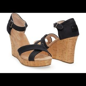 Toms black strappy fabric wedge