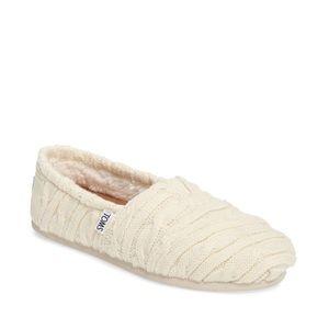 White knit Toms