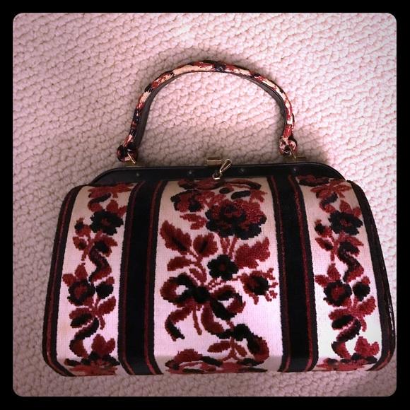 Vintage Handbags - Vintage Carpet Bag
