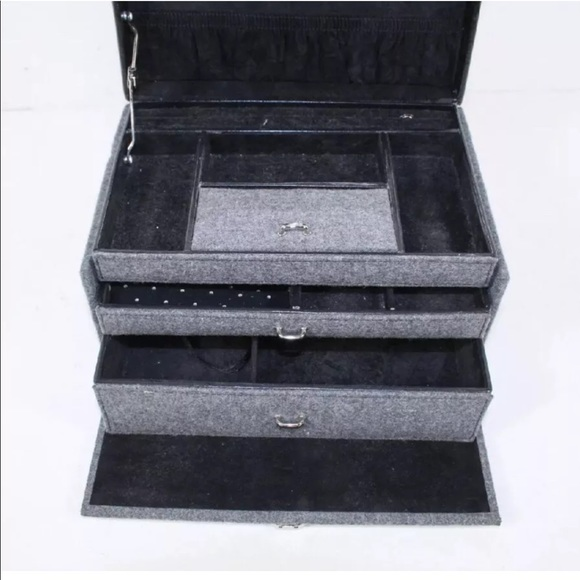 Vintage Other - Gray Felt Covered Jewelry Storage Organizer