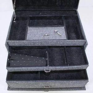 Vintage Other - Gray Felt Covered Jewelry Storage Organizer