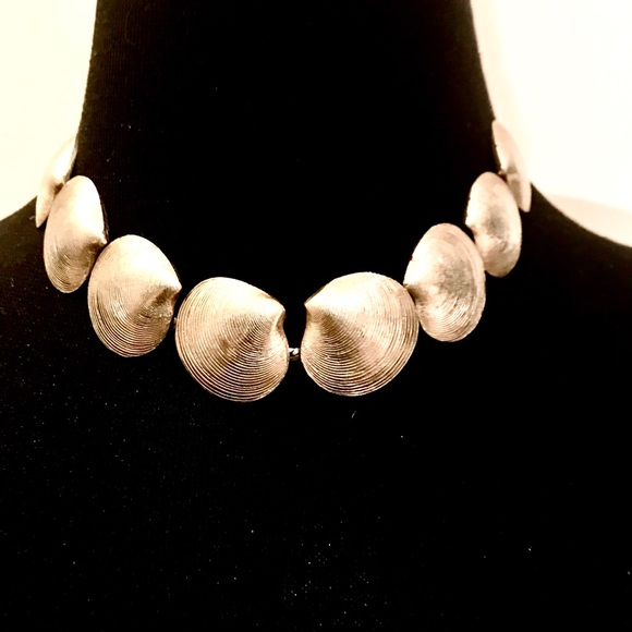 Vintage Jewelry - Vintage Gold Tone Shell Choker