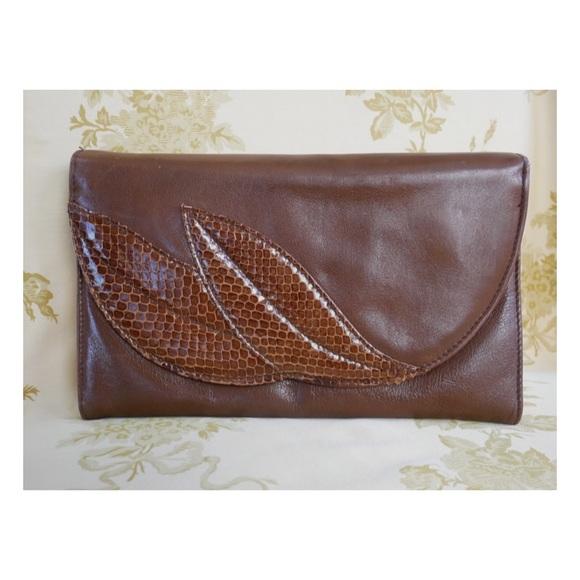 Handbags - Brown Leather Vintage Clutch w Snake Skin Detail