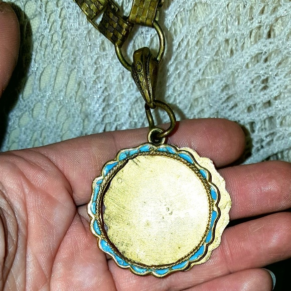VINTAGE Jewelry - AUTHENTIC VINTAGE Chunky Chain Pendant Necklace