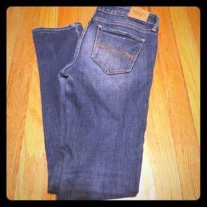Abercrombie straight leg skinny jean 2S 26x31