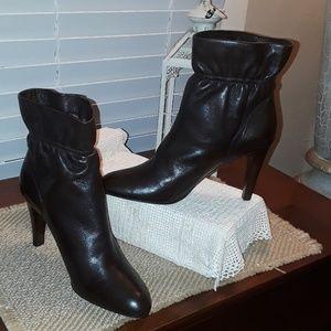 Ladies Via Spiga LEATHER Ankle Boot's