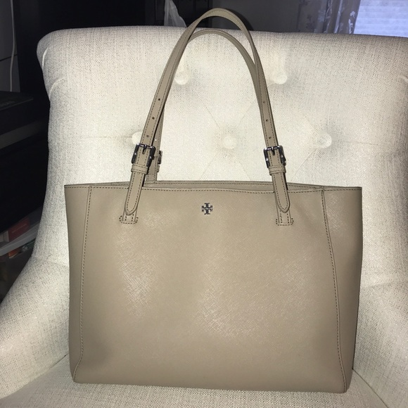 d1fed32782be Small Tory Burch York Buckle Tote French Grey. M 59e0b4e4eaf03022290231ac