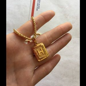 "Other - New 18k gold "" H "" necklace"