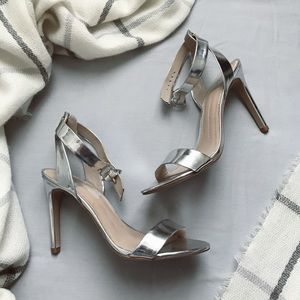 DV by Dolce Vita Silver Heels in perfect condition