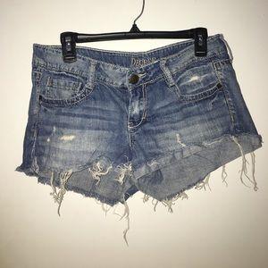 Decree super distressed jean shorty shorts
