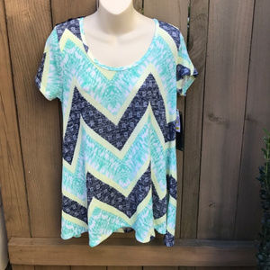 NWT Absolutely Famous chevron top size M