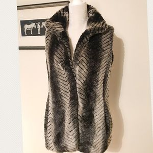 Via Spiga Faux Fur vest Large collar