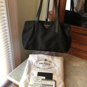 Prada Vela Black Bag 👜👛❤️ 💯 Authentic!
