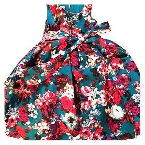 Beautiful Girls Christmas Dress size 8