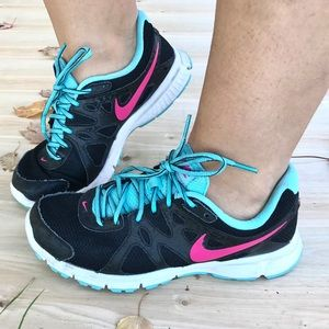 nike revolution 2 womens blue and pink
