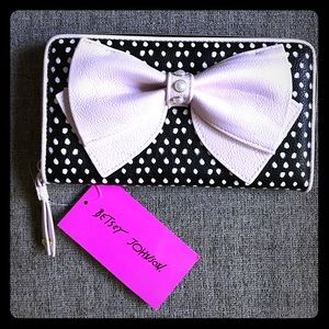 NWT Betsey Johnson Z/A Dots pearl bow wallet