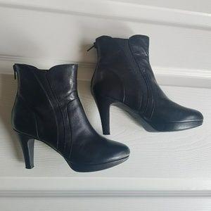 Clarks Black Leather Platform Booties 6.5