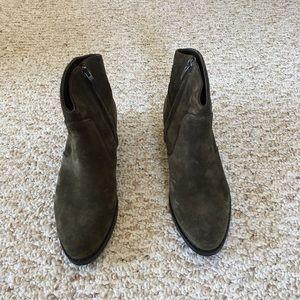 Via Spiga Brand new all leather booties
