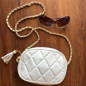 Vintage white quilted chain strap crossbody