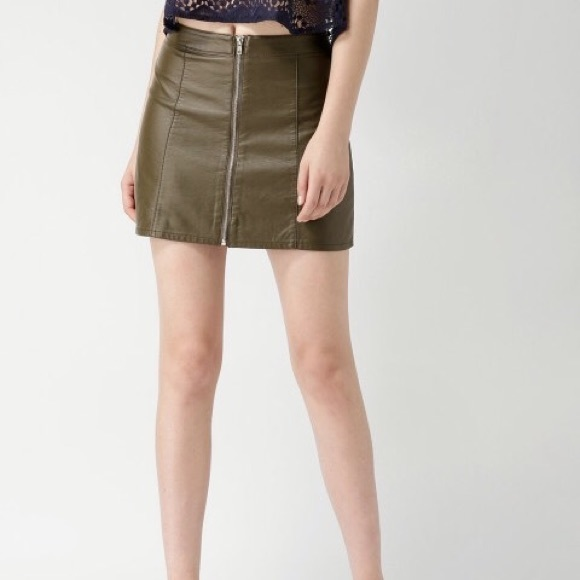 fab0a4d6d1 Forever 21 Dresses & Skirts - Olive Green Faux Leather Mini Skirt with  Zipper