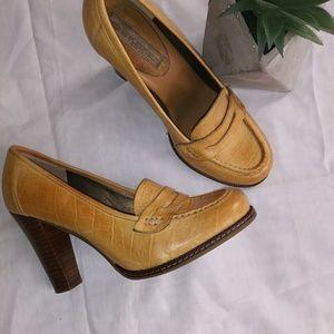 Banana Republic medium chunky heel