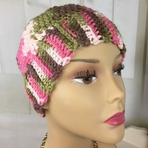 Kaki Jo's Closet Accessories - Knitted Beanie With Hole For Ponytail