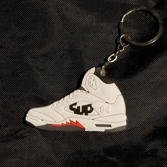 b4b79162c524 Jordan 5 Supreme White shoe keychain. Boutique. Air Jordan