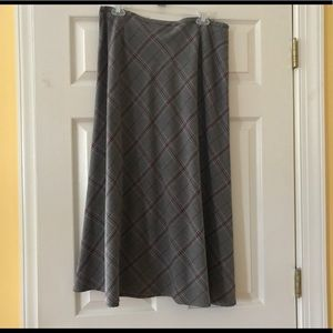 Long a line skirt plaid tartan pattern