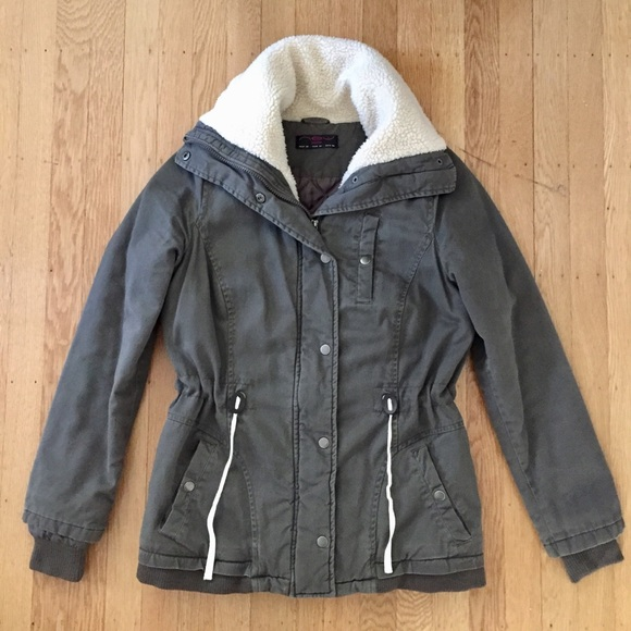 524d77894 New Look Faux Shearling Lined Canvas Jacket