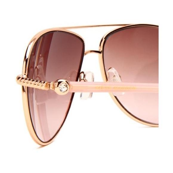 63bf6b8a7e6 Steve Madden rose gold aviator sunglasses