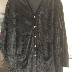 Ladies classy black sweatsuit.