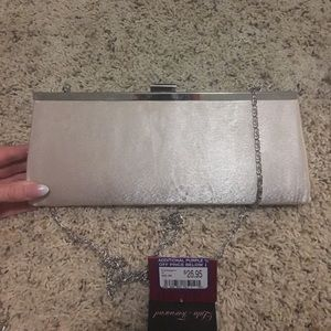 Clutch satin cream