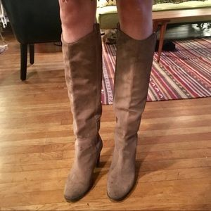 Dolce Vita tan suede knee high boots, Size 8