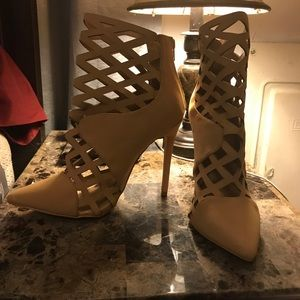 Shoes - $25 1 day sale! Beige laser cutout booties