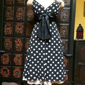 The quintessential party dress! So cute!!