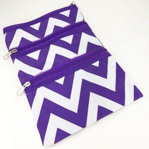 Handbags - 🌸5/$25🌸 Purple Chevron Nylon Crossbody Bag
